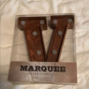 Marquee letter V Rust tone Led Lights NWT